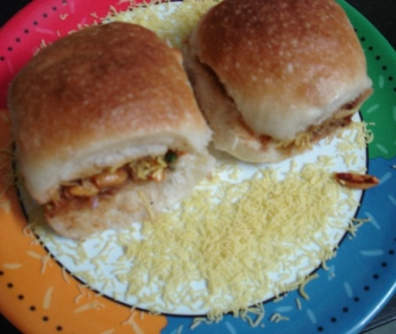 dabeli local food of various cities - mashupcorner
