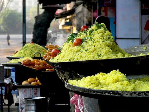 poha-jalebi best snack of indore - mashupcorner